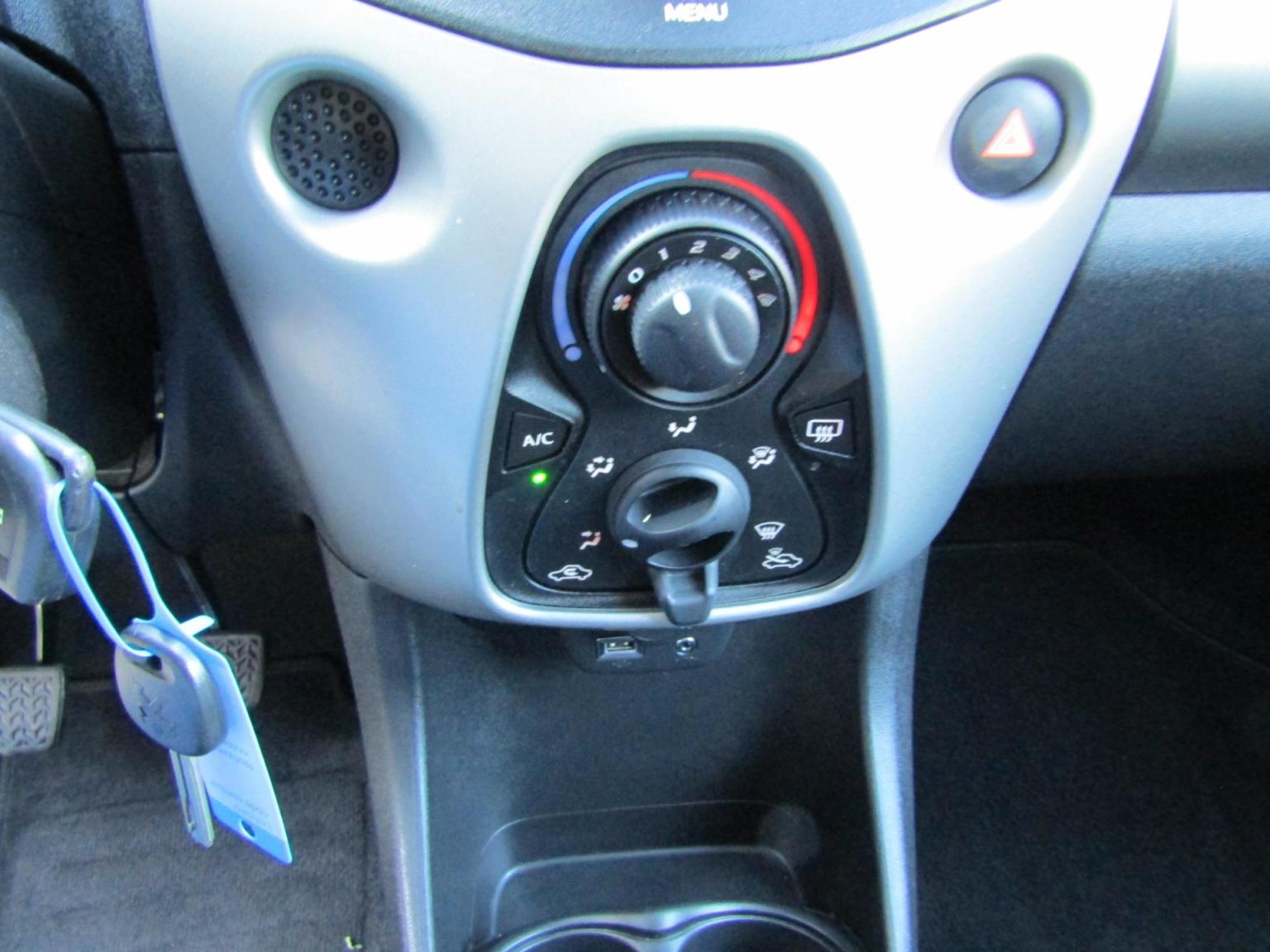 Peugeot-108-7