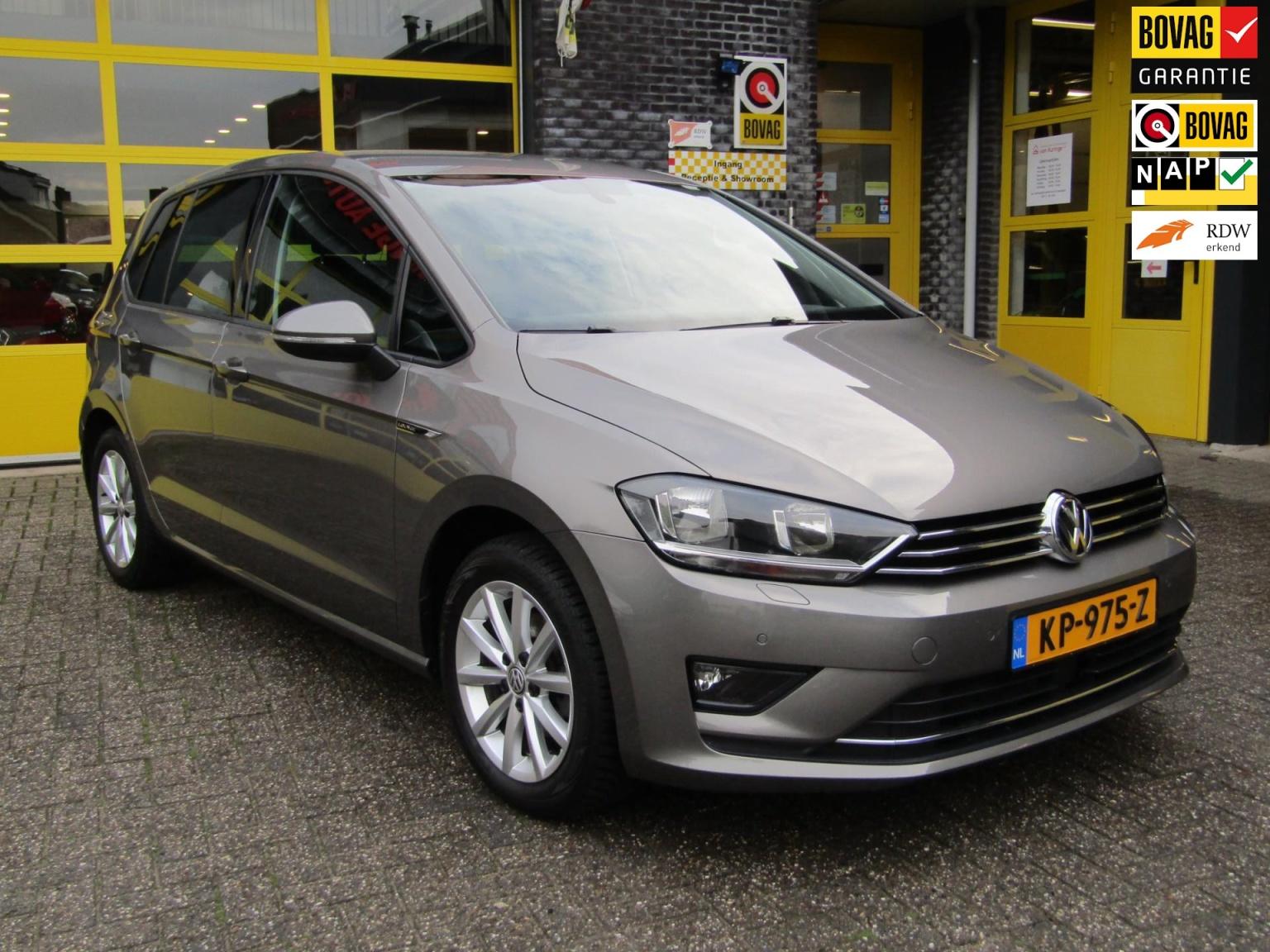 Volkswagen-Golf Sportsvan-0
