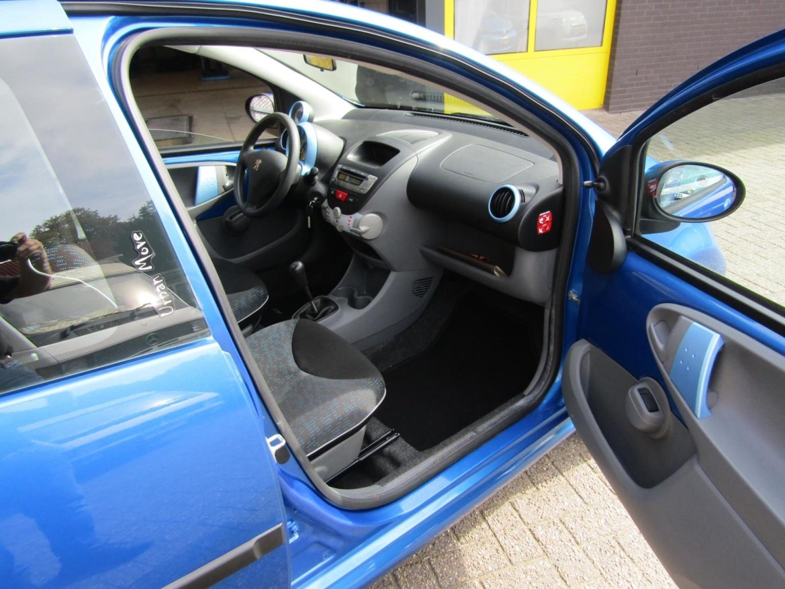 Peugeot-107-12