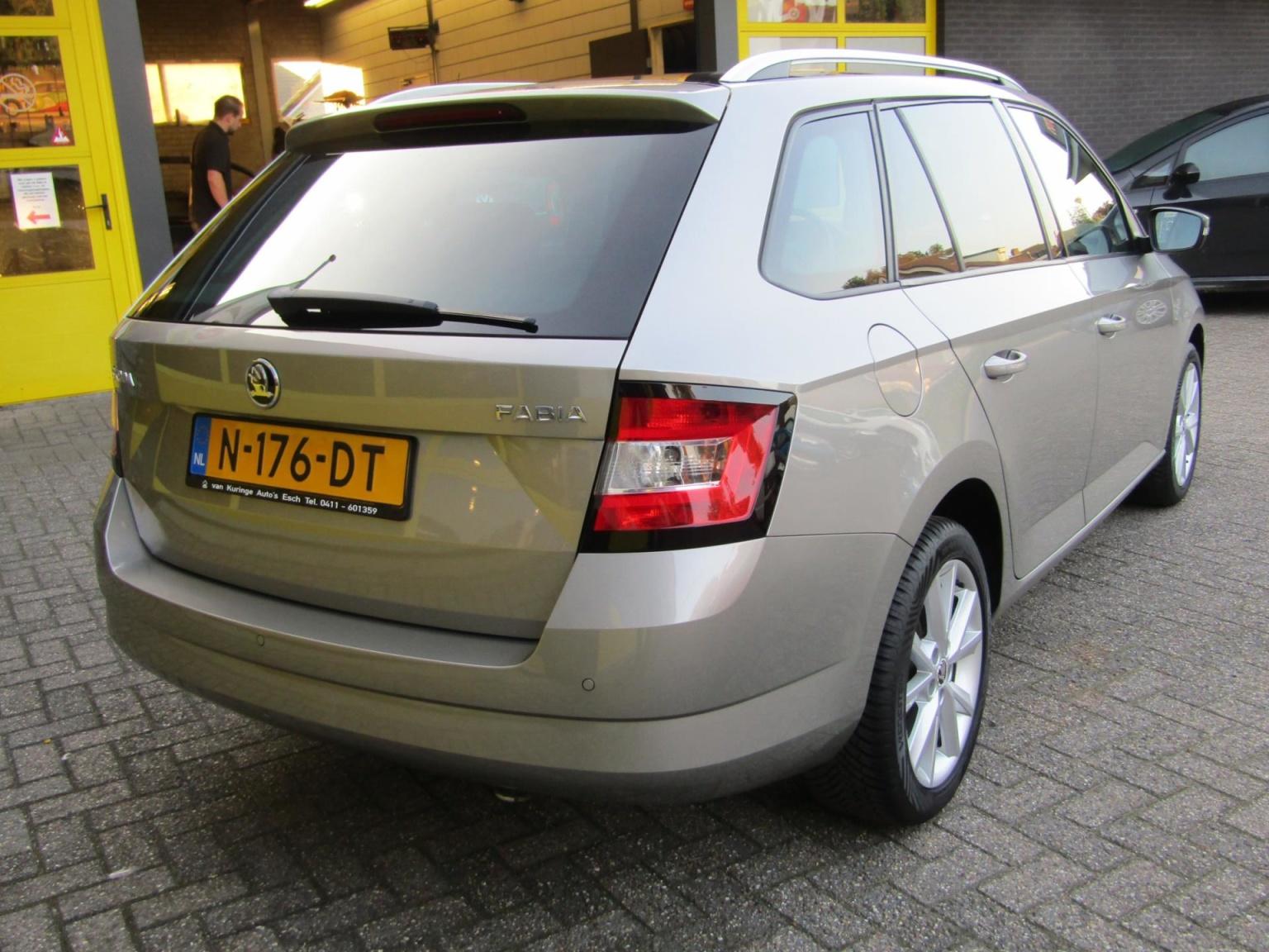 Škoda-Fabia-2