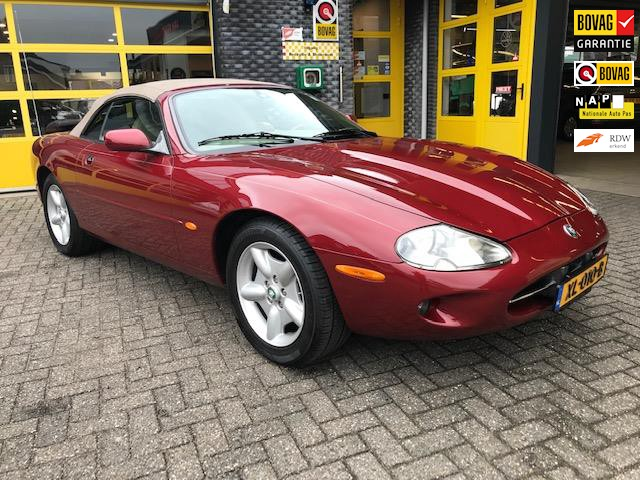 Jaguar-XK8